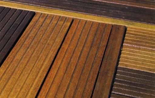 comment entretenir sa terrasse en bois - dégriseur après