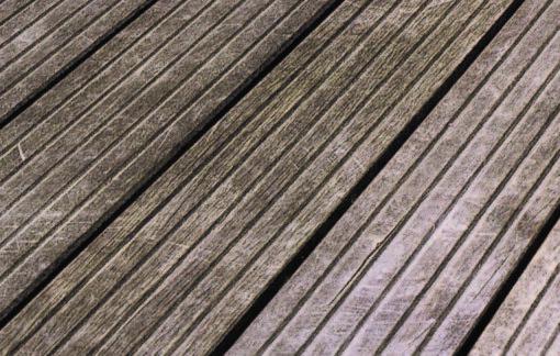comment entretenir sa terrasse en bois - dégriseur avant
