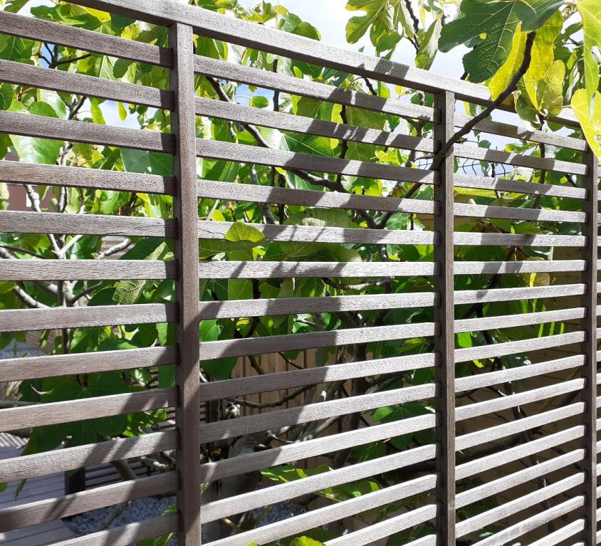 entretenir sa clôture en bois